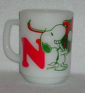 RARE Vintage Snoopy Noel Christmas Fire King Anchor Hocking Milk Glass Mug