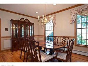 Ethan Allen Dinning Room Table and Chairs