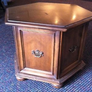 Ethan Allen Round End Table