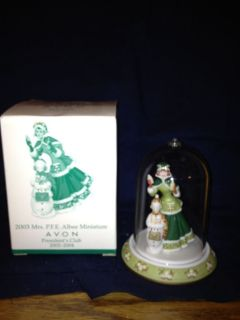 2003 Avon Mrs Albee Mini Figurine with Dome