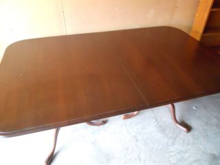 Ethan Allen Double Pedestal Dining Table with 4 Chiars 2 Leaves Full Sized Hot