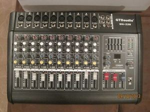 10 Channel 1000W Max Powered Mixer Amplifier