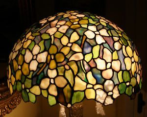 Tiffany Reproduction Stained Glass Dogwood Blossom Lamp Shade 20W Mottled Glass