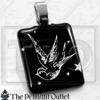 Sparrow Bird Vintage Tattoo Fly Black White Star Swallow Charm Pendant Necklace