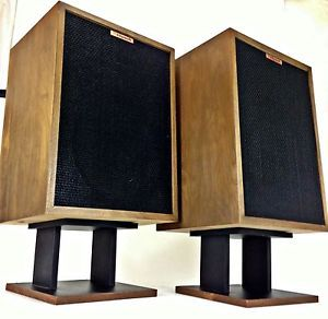 Klipsch Heresy II Speakers in Superb Condition New Coat of Oil w Stands