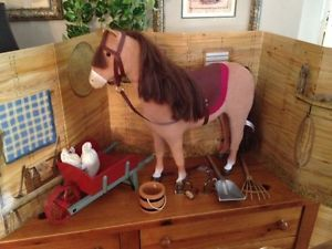 American Girl Felicity 1st Stable Retired Horse Stable Clean Up