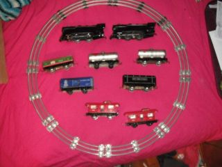 Vintage Marx Trains Lot Cars 2 Engines 552 NYC Caboose 556 Sante FE Tanker