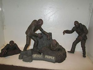 Mole People Sci Fi Art Model Kit Horizon 1988 5 PC Universal Studios