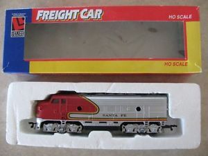 HO Santa FE Diesel F Unit Train Engine Used War Bonnet Paint Red Silver V G C