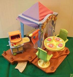 Fisher Price Loving Family Dollhouse Backyard Cabana Patio BBQ Grill Table GUC