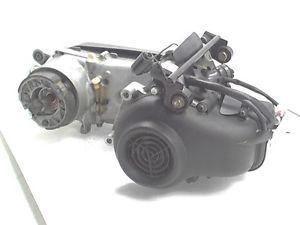 2001 2005 Yamaha Vino 50 Classic Scooter Engine Motor Cases Crank Cylinder