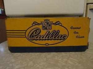 Vintage Cadillac Beverages Detroit Michigan Soda Bottle Crate Box Sign Car