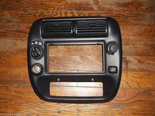 95 04 Ford Explorer Ranger Dash Radio Trim Bezel 4x4 w Fog 98 96 00 Sport Trac