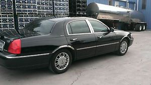 2004 Lincoln Town Car Signature Sedan 4 Door 4 6L