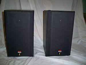 Pair of 600 Series Bookshelf Speakers Model DM600 Bowers Wilkins
