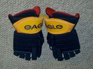 Buffalo Sabres Tyler Myers Hockey Gloves Game Worn Used Pro