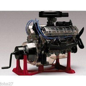 New Revell Visible V 8 Engine 1 4 Big Scale Model Kit New