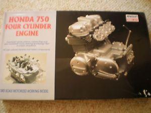 Minicraft Honda Motorcycle 750 4 Cylinder Engine Motorized 1 3 Scale Kit