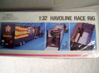 Monogram SnapTite 1 32 Havoline Race Rig Plastic Truck Model Kit SEALED