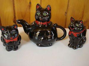 1951 Shafford Japan Red Clay Pottery Black Cat Green Eye Tea Pot Creamer Sugar