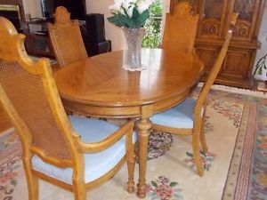 Gorgeous Ethan Allen Dining Room Table w 6 Chairs Matching Hutch Pecan Wood