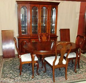 ... Vintage Kincaid Cherry Dining Set Table With 2 Leaf 4 Chairs China  Cabinet Hutch ...