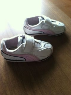 Baby Girl 18 Month 2 Size 5 Toddler Puma Velcro Sneakers Shoes Clothes