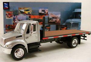 NewRay International 4200 1 43 Scale Diecast Model Flatbed Roll Off Truck N130
