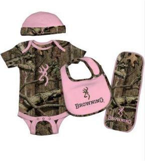 3 MO Girl Pink Green Camo Baby Set Onesie Body Suit Bib Hat Burp Cloth Clothing