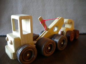 Hand Made Wood Toy Car Folk Art Tow Truck with Tow Car Vehicle Model