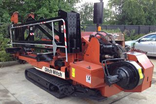 Ditch Witch JT1720 2001 with Full Rack of Pipes
