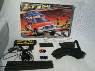 Life Like Ford F 350 HO Scale Electric Truck Racing Set Complete Track No 9572