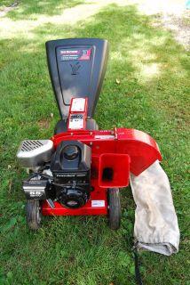 Wood Chipper MTD Yard Machines 5 HP Briggs and Stratton 3 Way Mulcher