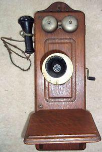 Antique Vintage Kellogg Oak Wood Wall Mount Hand Crank Wall Telephone Bakelite