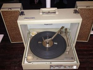 Vintage Magnavox Stereophonic Solid State Record Player Turntable