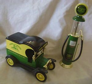 John Deere Diecast 1 24 Scale 1912 Ford Model T Car Gearbox 1920 Wayne Gas Pump