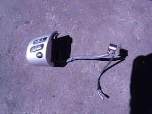 2004 05 06 Scion XB Steering Wheel MTD Audio Control Silver