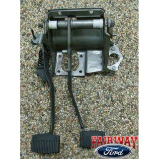 92 93 94 95 96 F 150 Genuine Ford Parts Clutch Brake Pedal ASM w Spring