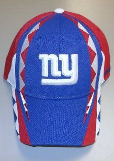 NEW York Giants Structured Flex Reebok HAT   Size S/M  TR98Z : Sports Fan Baseball Caps : Sports & Outdoors