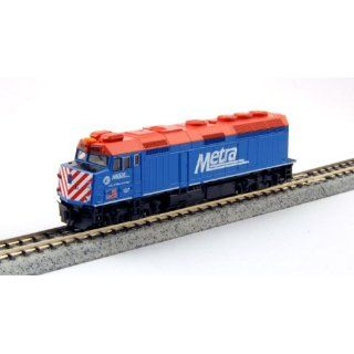 "Kato USA Model Train Products EMD F40PH #137 Metra ""City of West Chicago"" N Scale Train: Toys & Games"