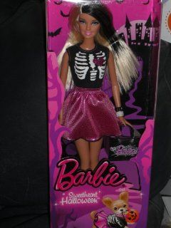 Barbie BBV56 Halloween Sweetheart   Halloween Barbie 2013: Spielzeug