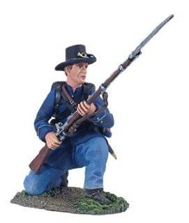 American Civil War Toy Soldiers Iron Brigade Infantry Kneeling and Defending No. 1 W Britain 1/32 Scale Metal Figure Mint in Package Toys & Games