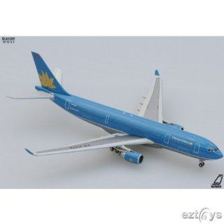 Jcwings Vietnam A330 200 1/400 REG#VN A369: Toys & Games