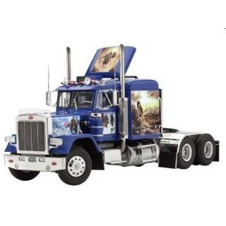 Peterbilt 353 Truck Cab 1/25 Revell Germany: Toys & Games