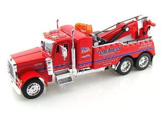 Peterbilt Model 379 Tow Truck 1/32 Red Toys & Games