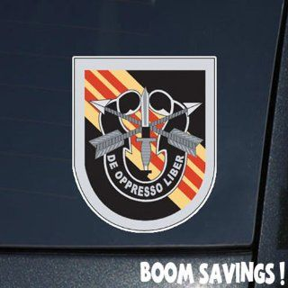 """US Army Vietnam Flash 5th Special Forces Group with Crest 1 6"""" Decal Sticker: Automotive"""